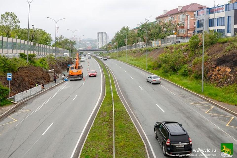 Подпорные стены возводят на улице Олега Кошевого. Фото: Евгений Кулешов/Администрация Владивостока.