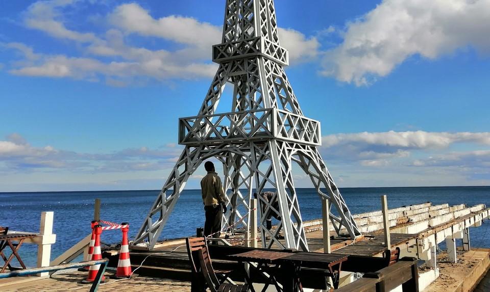 Арт-объект убрали с пляжа на время реконструкции.