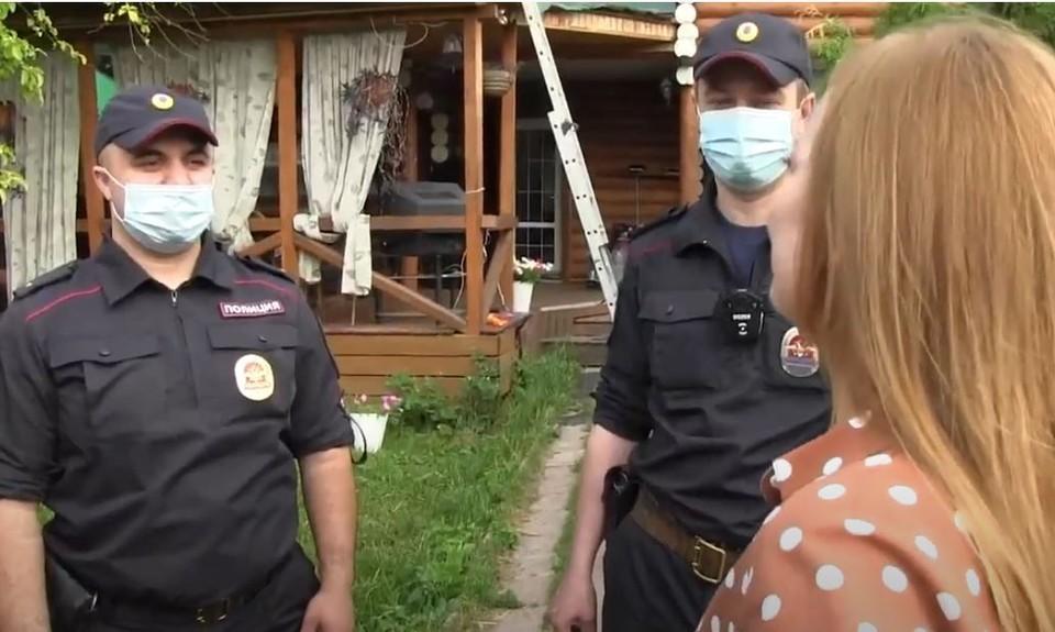 Полицейские спасли семью от пожара