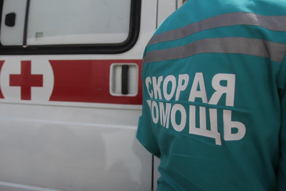 """Женщину с 5-летним ребенком сбила на пешеходном переходе """"Тойота Калдина"""" в Саянске"""