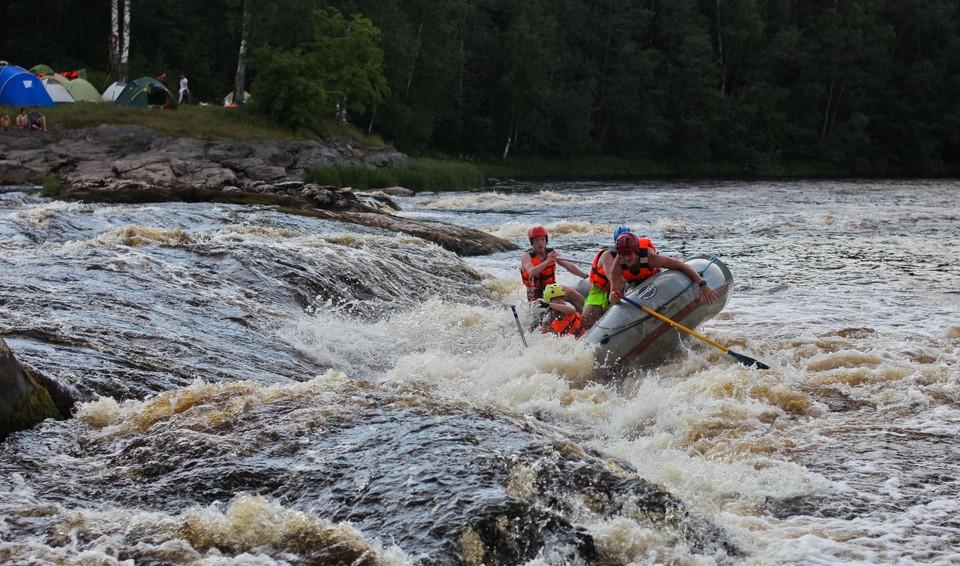 Катен считается одной из самых спокойных для сплава рек