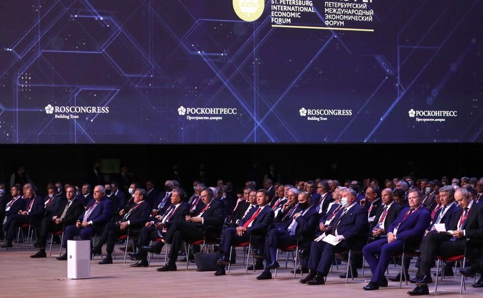 Наблюдаются позитивные тенденции в глобальной экономике. В этом году рост мирового ВВП может быть максимальным с 1970-х годов