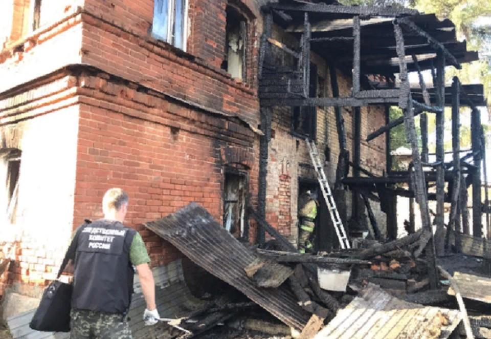 Пожар случился в многоквартирном доме. Фото: СКР по Пермскому краю.