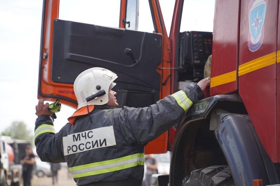 Двое мужчин пострадали при обрушении здания: из-под завалов одного из них достали спасатели.