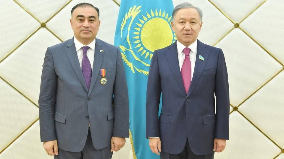 Чрезвычайный и Полномочный Посол Азербайджанской Республики в Казахстане Рашад Маммадов и Председатель Мажилиса Нурлан Нигматулин