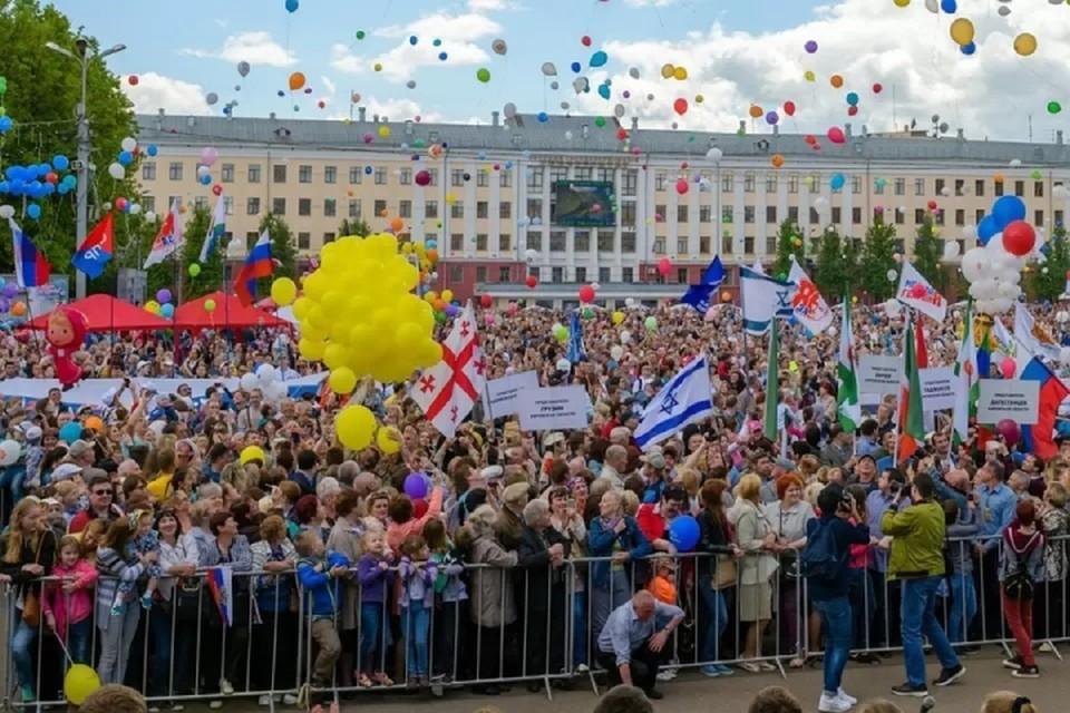 На Театральной площади в День города состоятся традиционные праздничные мероприятия. Фото: администрация города Кирова