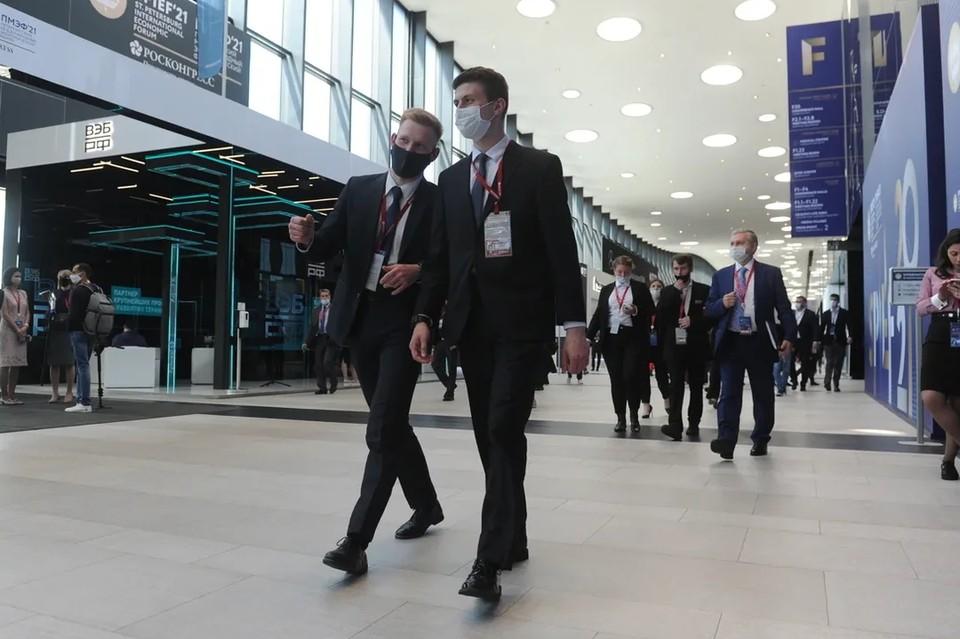В Петербурге зафиксировали рост заболеваемости коронавирусом за минувшую неделю.