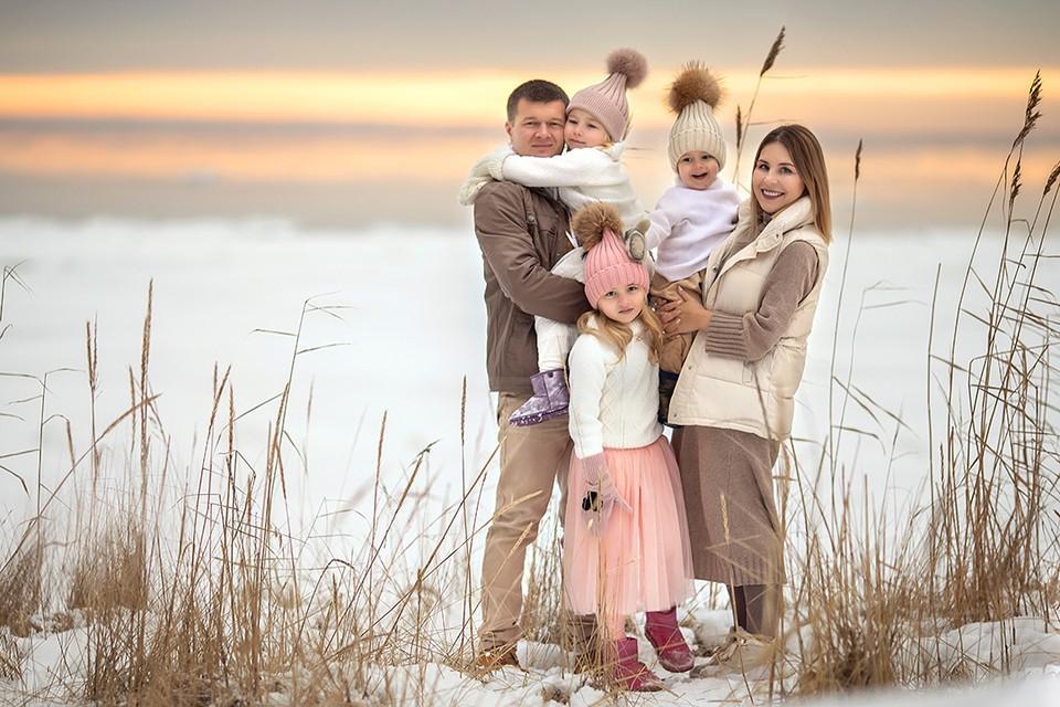 Ксения Жолудева - ведет несколько успешных проектов и воспитывает троих детей.