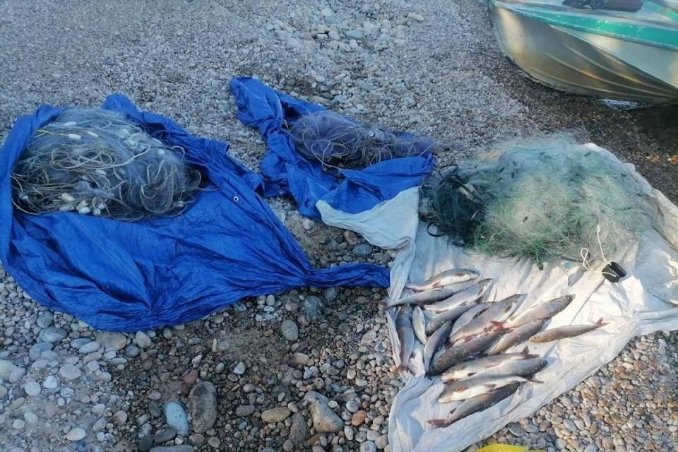 """На Байкале задержали браконьеров с восьмью рыболовными сетями. Фото: ФГБУ """"Заповедное Подлеморье"""""""