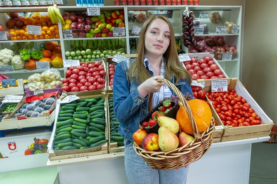 Особенно важно, по мнению инициаторов, поддержать ярморочников летом – в сезон свежих овощей и фруктов.