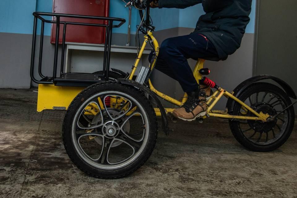 Если велосипед мешает в подъезде, его эвакуируют.