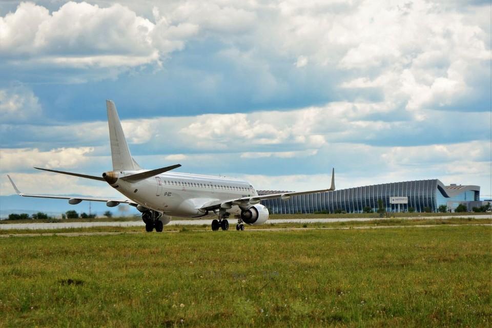 Полеты будут осуществляться на самолетах Embrarer E190. Фото: пресс-служба аэропорта «Симферополь».