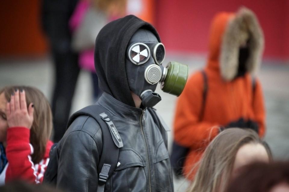 Омичи в мае дышали пылью, формальдегидом и хлороводородом.