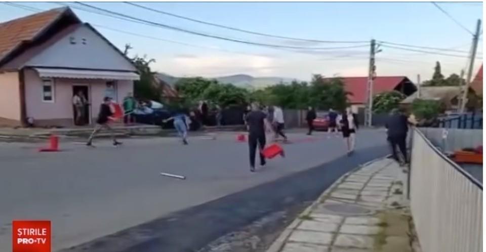 Массовую потасовку устроили студенты из Молдовы (Фото: скрин с видео).