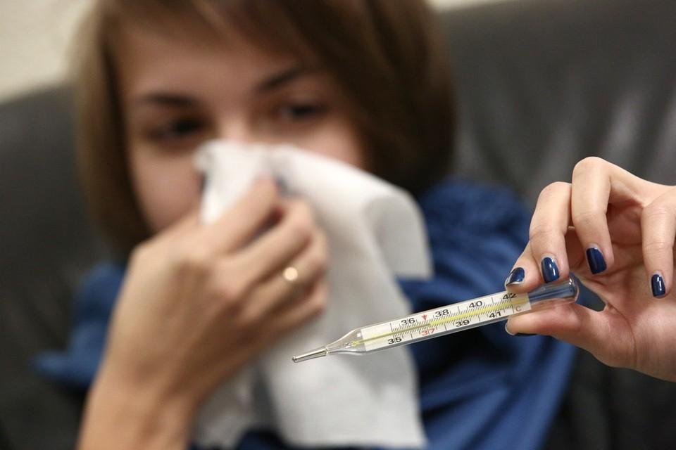Симптомы коронавирусной инфекции могут проявиться уже через 4-5 дней после того, как вирус попал в организм.