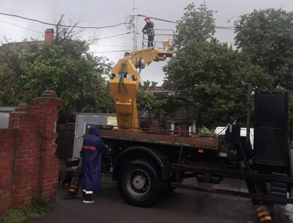 В эти минуты с сетями наружного освещения работают 8 бригад Фото: сайт администрации Ростова