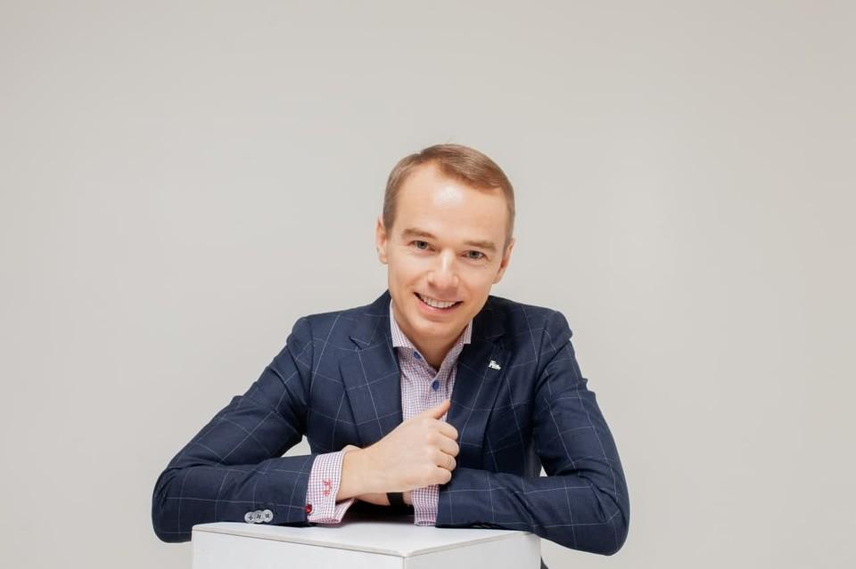 Владимир Якуба провел обучение в 134 городах, 18 странах. Автор 11 книг. Фото: предоставлено героем