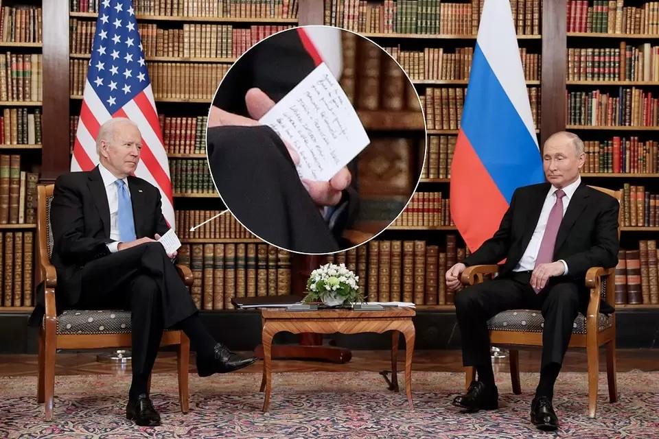 Путин - про шпаргалки Байдена: «Мы все так делаем». Фото: Михаил МЕТЦЕЛЬ/ТАСС