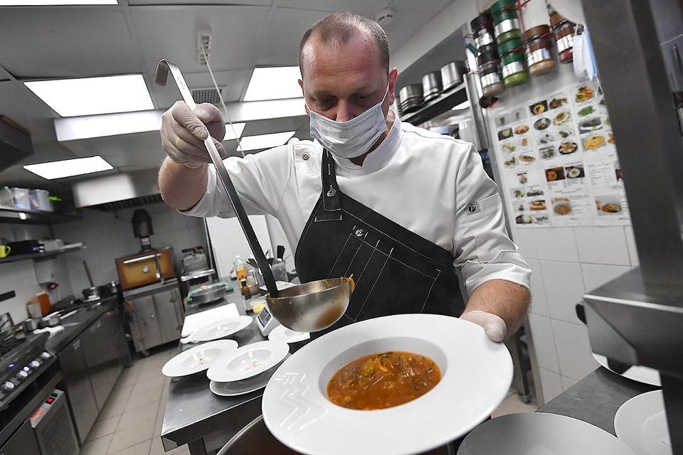 Эксперимент по созданию бесковидных ресторанов стартует в Москве с 19 июня.