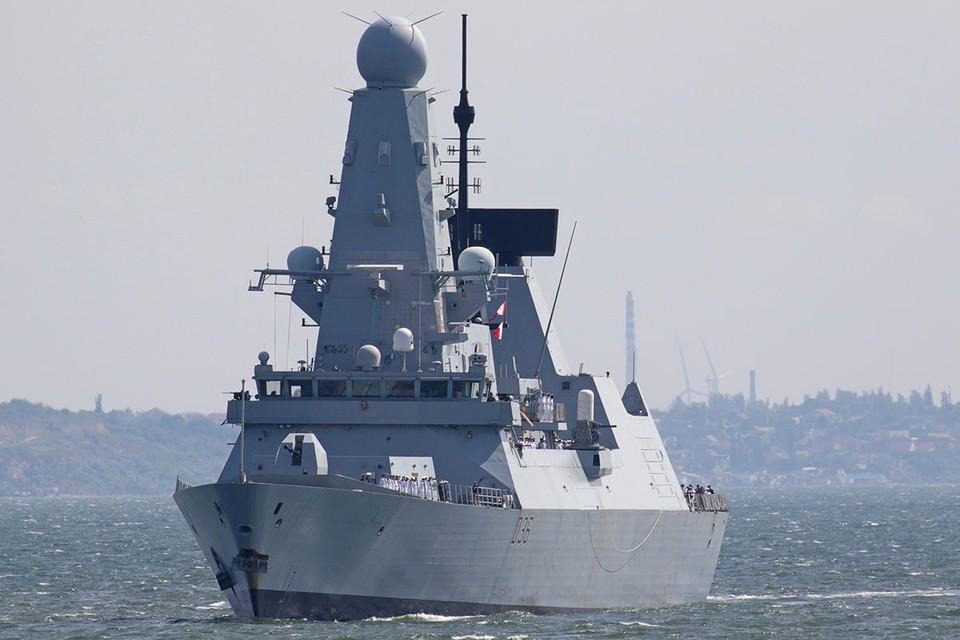 Британский корабль Defender нагло нарушил госграницу РФ и больше чем на 3 километра вторгся в территориальные воды России в районе мыса Фиолент