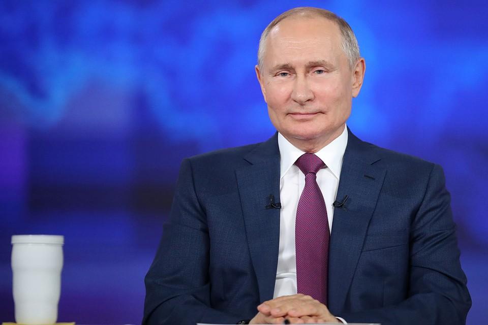 """""""Комсомолка"""" всегда подмечала самые яркие фразы, которыми президент сопровождал свои ответы"""