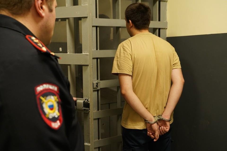 """Один из нападавших """"успокоился"""" только тогда, когда на него надели наручники"""