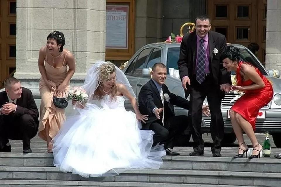Жители Новосибирской области стали реже жениться и разводиться.