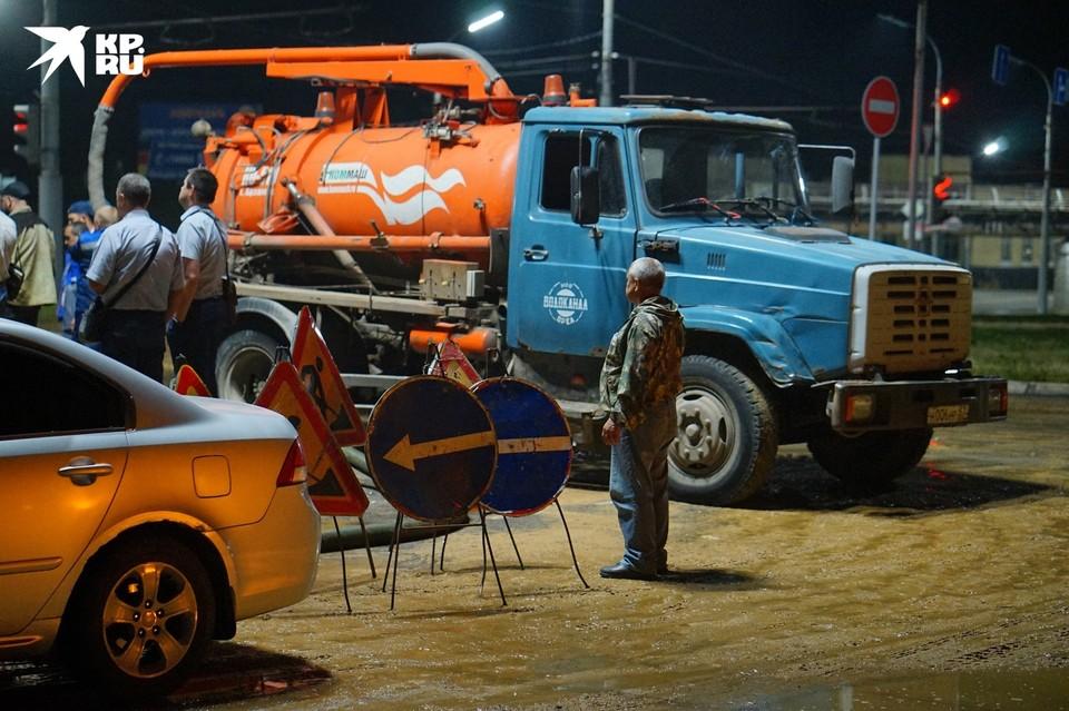 Большая авария на водоводе в 909 квартале в Орле