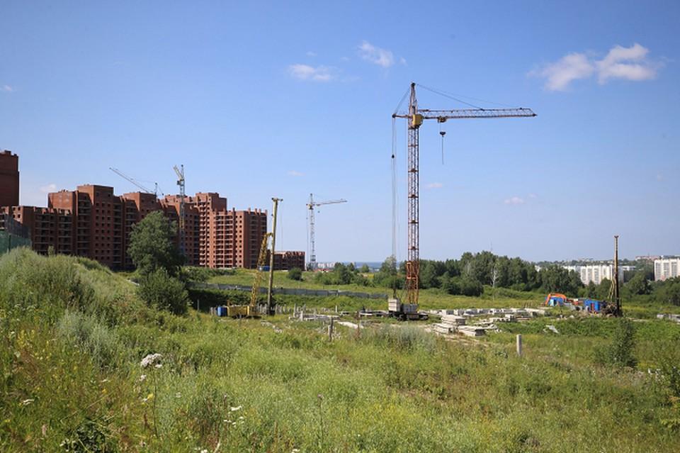 Эта школа появится на ул. Д. Бедного в Томске в следующем году. По крайней мере, такие намерения были не раз озвучены городскими чиновниками. Фото В. Доронина, пресс-служба мэрии.