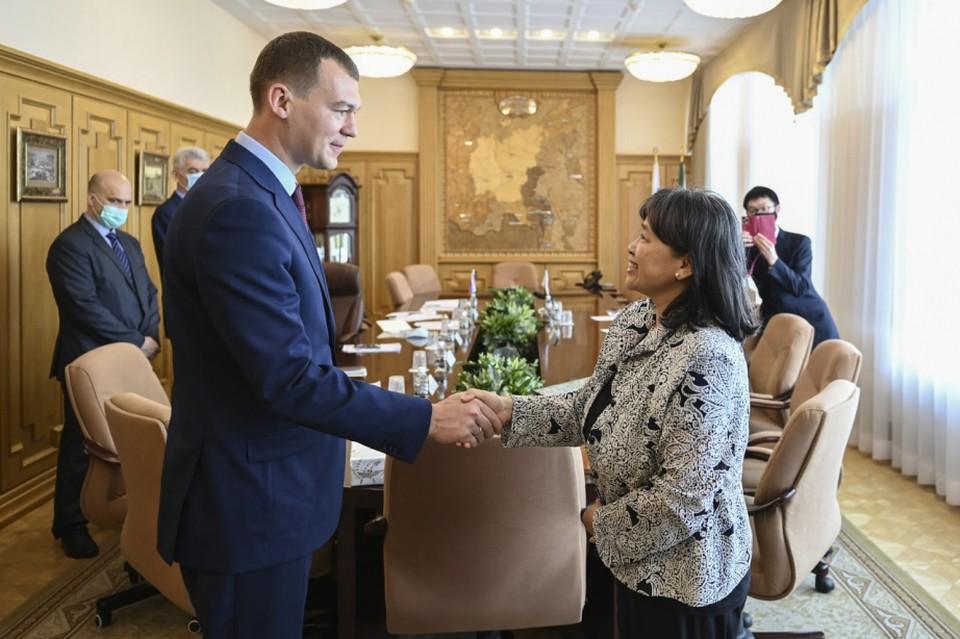 В Хабаровске прошла встреча нового генконсула Японии с Михаилом Дегтяревым