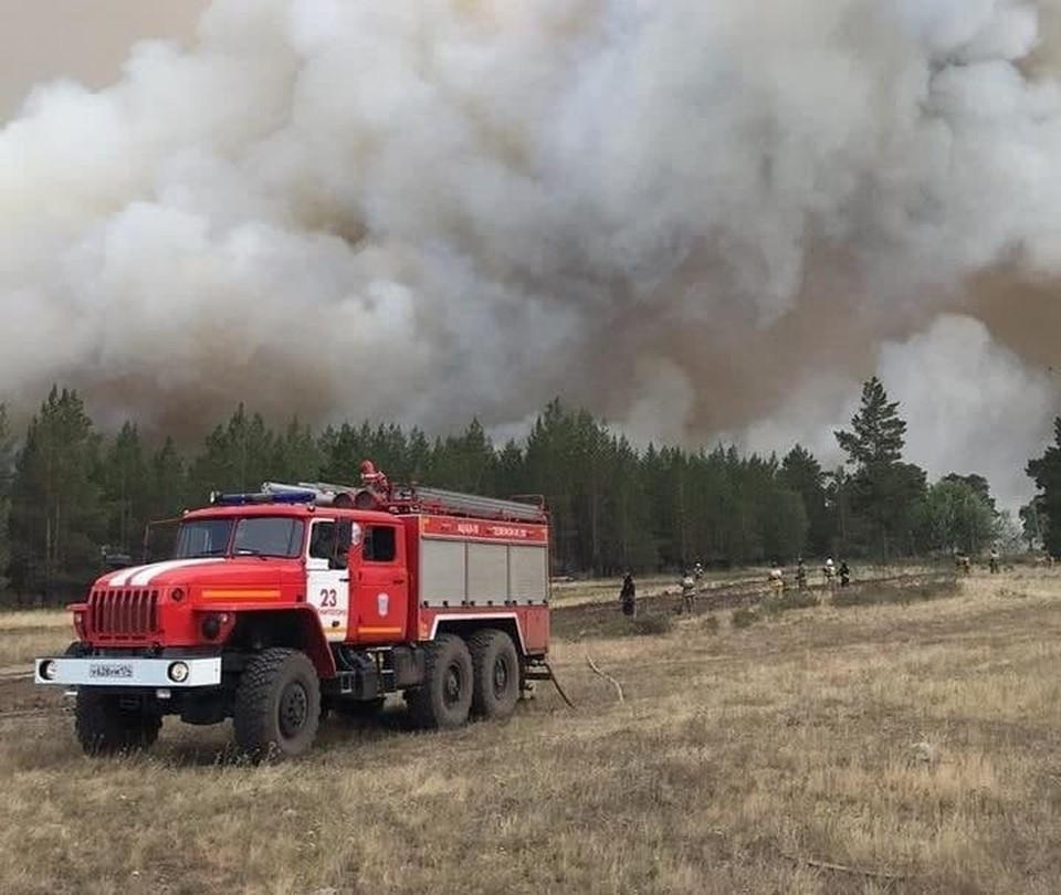 Огонь с площади 916 га разросся до 4800 га. Фото: ГУ МЧС по Челябинской области