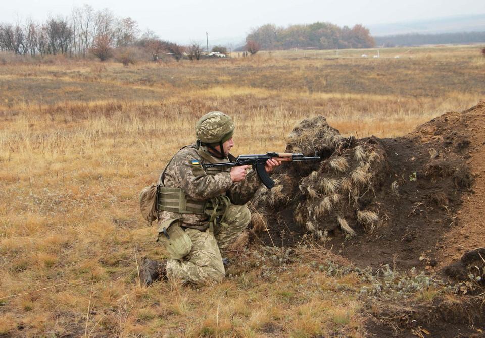 Украинская армия продолжает обстрелы. Фото: штаб ООС