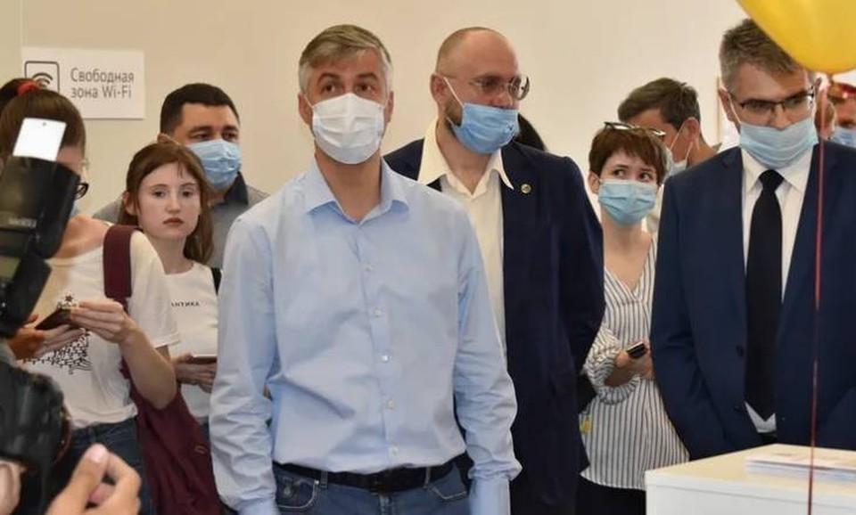 Глава администрации Ростова-на-Дону посетил открытие МФЦ на Суворовском. Фото: пресс-служба городской администрации