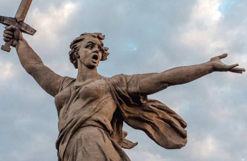 Компания занималась реставрацией главного монумента «Родина-мать зовет» на Мамаевом Кургане в Волгограде.
