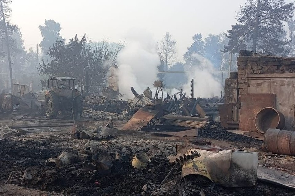 У жителей сгоревших поселков спросят, где им построить дома. Фото: Ольга Векушкина.