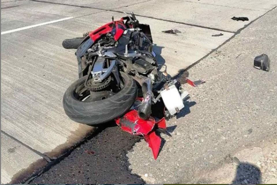 Мотоциклист и его пассажирка погибли в ДТП 11 июля под Минском. Фото: ГАИ.