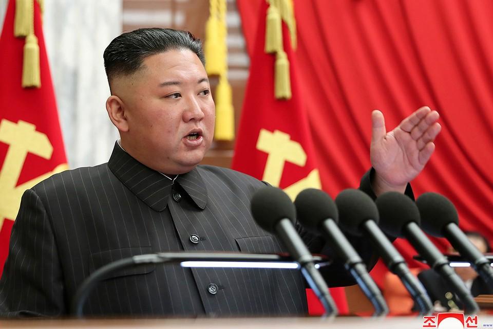Ким Чен Ын на съезде Трудовой партии Кореи в Пхеньяне.