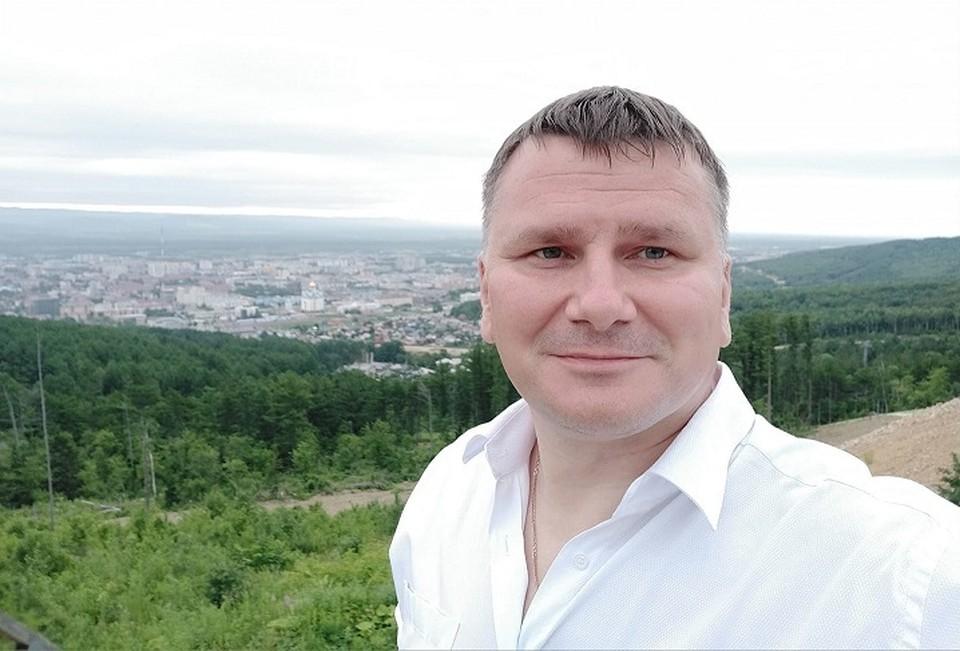 На Сахалин Дмитрий Федечкин уехал несколько лет назад, покинув пост директора департамента по связям с общественностью Русской медной компании. Фото: страница в Facebook