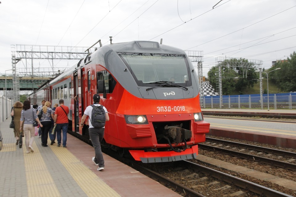 В июле изменится время отправления на нескольких пригородных железнодорожных маршрутах. Фото: Северо-Кавказская пригородная пассажирская компания