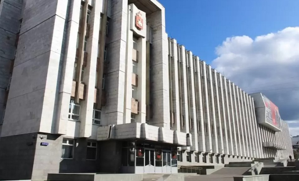 Власти Пермского края ввели новые ограничения из-за новой вспышки коронавируса