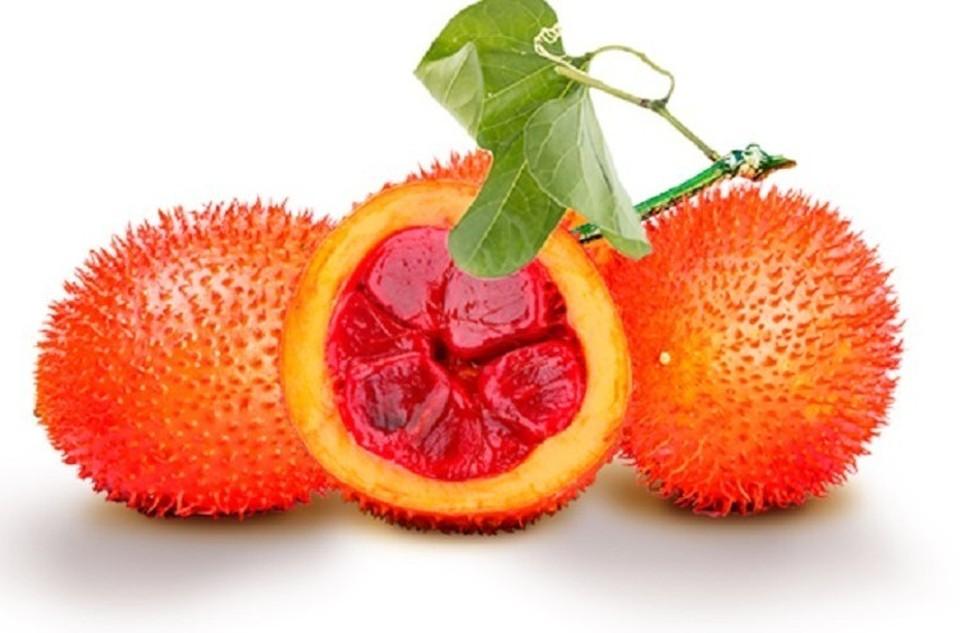 В плодах гака содержится большое количество бета-каротина, который преобразуется в человеческом организме в витамин А, и ликопина.