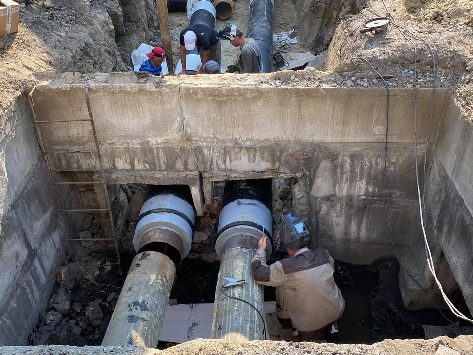 За лето в Калининграде рабочие должны переложить более 5 километров труб.