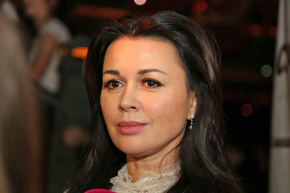 Актриса Анастасия Заворотнюк перенесла две операции.