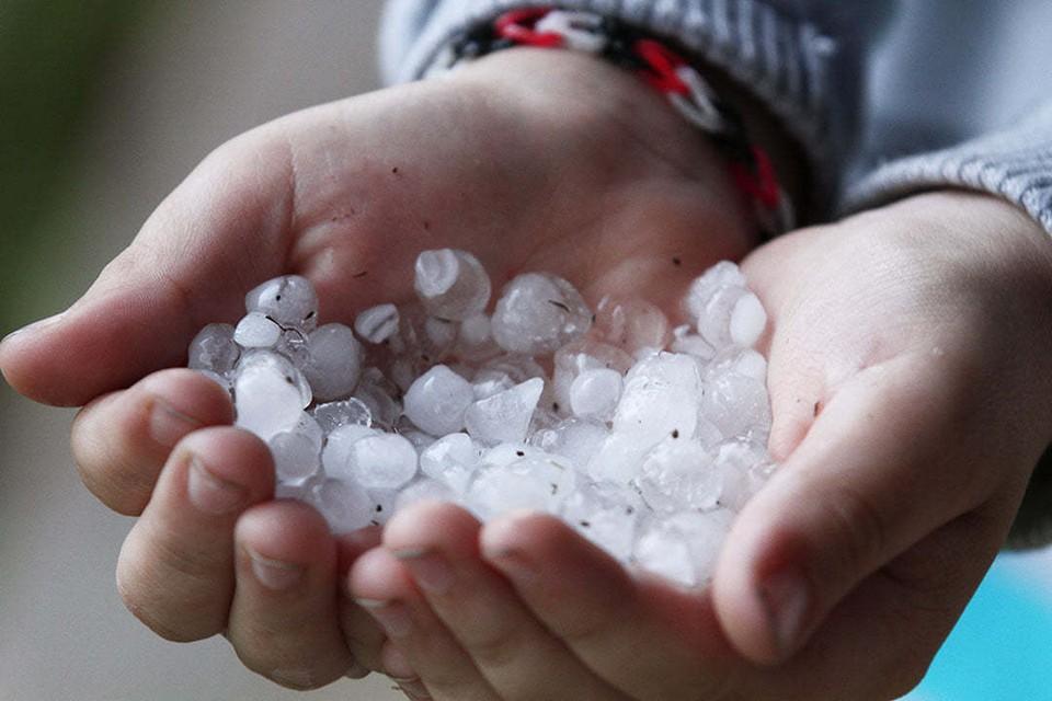 В МЧС рассказали, что надо делать, когда с неба повалятся куски льда.
