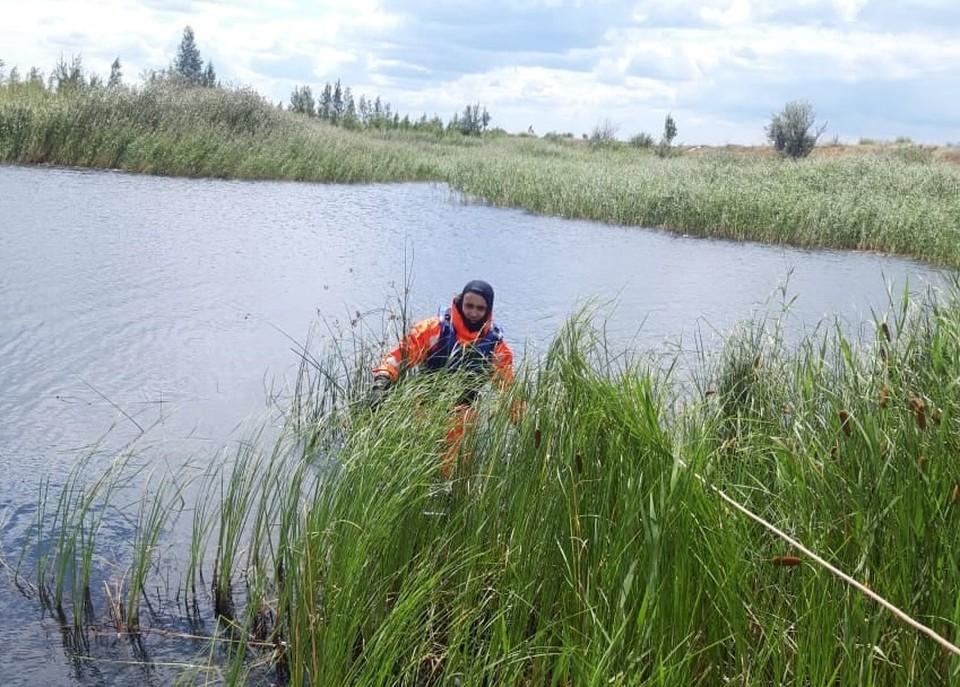Доставать тело утонувшего рыбака из карьера пришлось спасателям. Фото: Поисково-спасательная служба Челябинской области