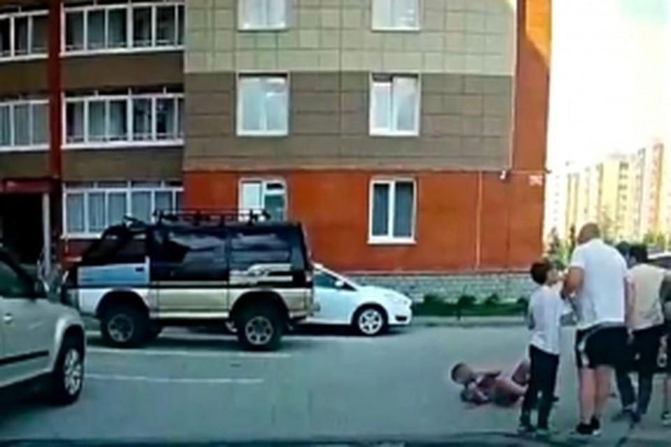 Прокуратура проводит проверку после того, как под Новосибирском мужчина избил 10-летнего мальчика.