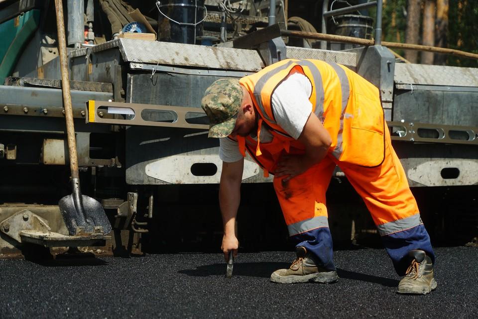 В разных районах Волгограда продолжается ремонт дорог