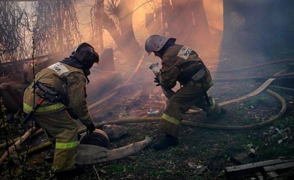 Два пожара в дачном поселке Тайное Орловского района потушили вчера спасатели