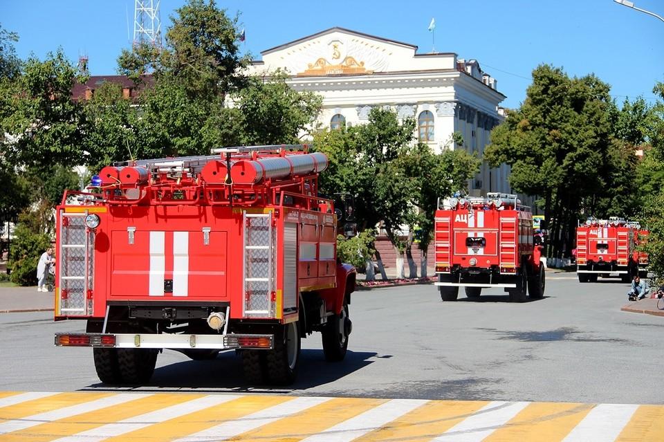 Пожарные Тюменской области получили ключи от девяти новых автомобилей.