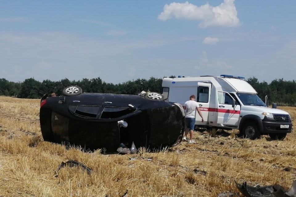 Смертельное ДТП произошло на трассе под Ростовом. Фото: ГИБДД по РО